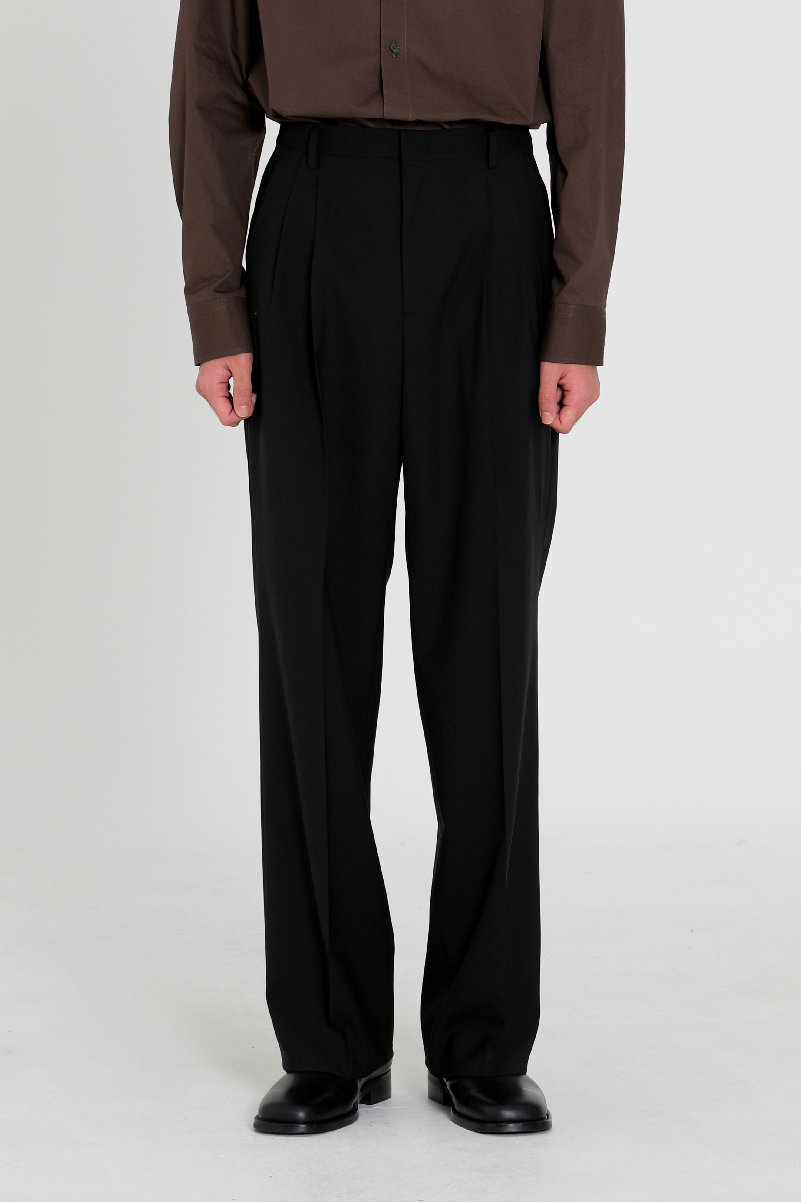 Two pleated wide trousers - black